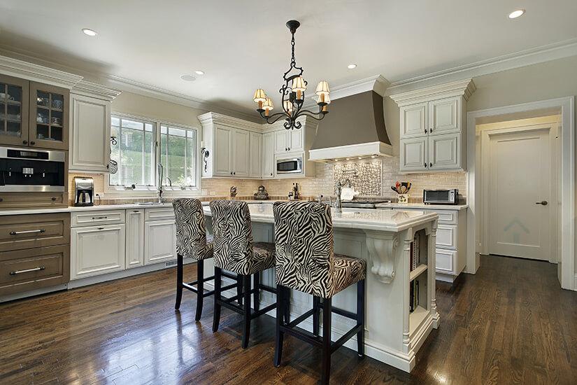 cuisine avec armoire peinturées blanche