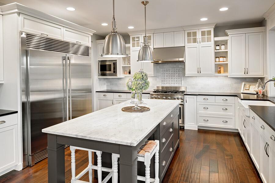 peinture de cuisine blanche et comptoir
